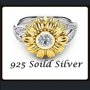 Jewelry - 🌷 SALE 🌷EUC - .925 SS and Gold Fashion Ring